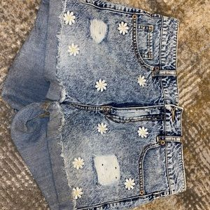 Embroidered distressed women's 28 shorts